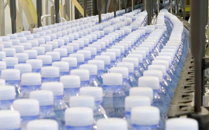 Ciel-fabrica-botella-hecha-de-plantas